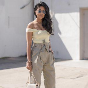 18a528e1cb690 تحتل ألوان الباستيل الصدارة في فساتين السهرة والمناسبا وحيث ظهرت في أزياء  صيف 2018 بمجموعات مصممي الأزياء العالميين ، بطرق جديدة وأقمشة وخامات رائعة.